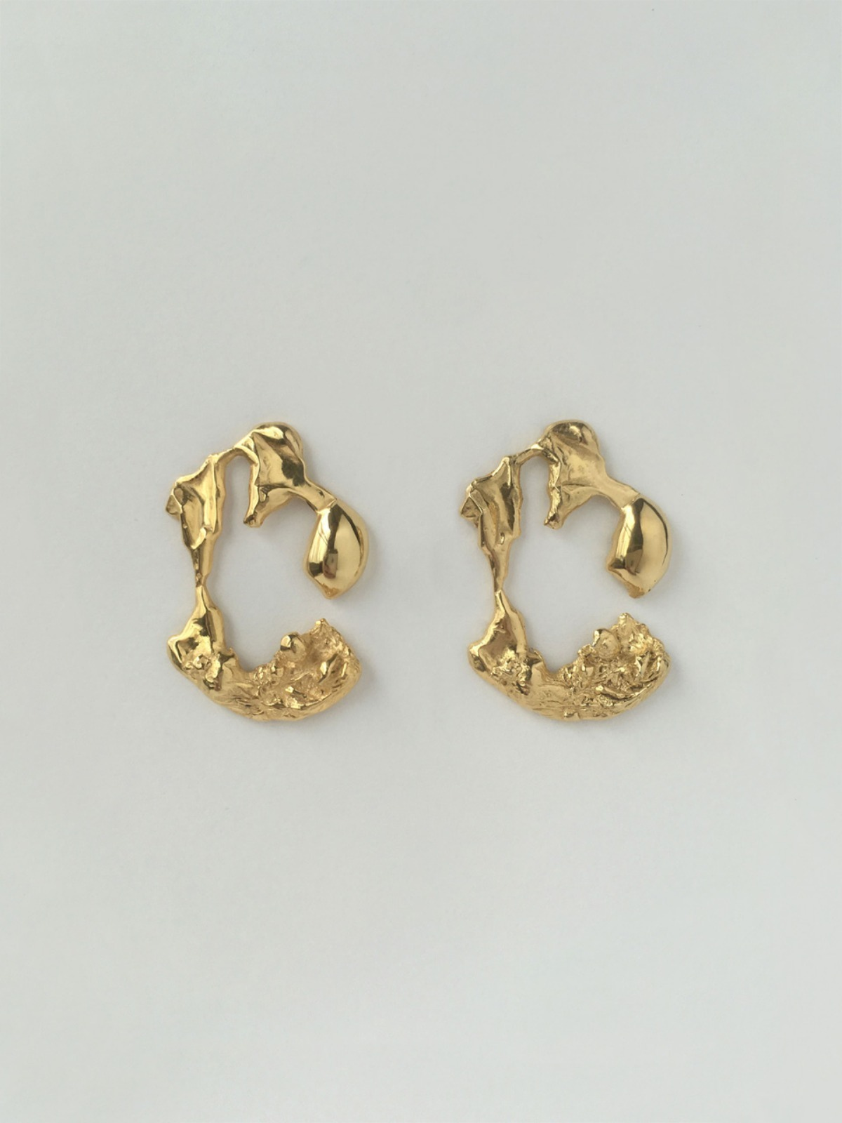 Melting C earring