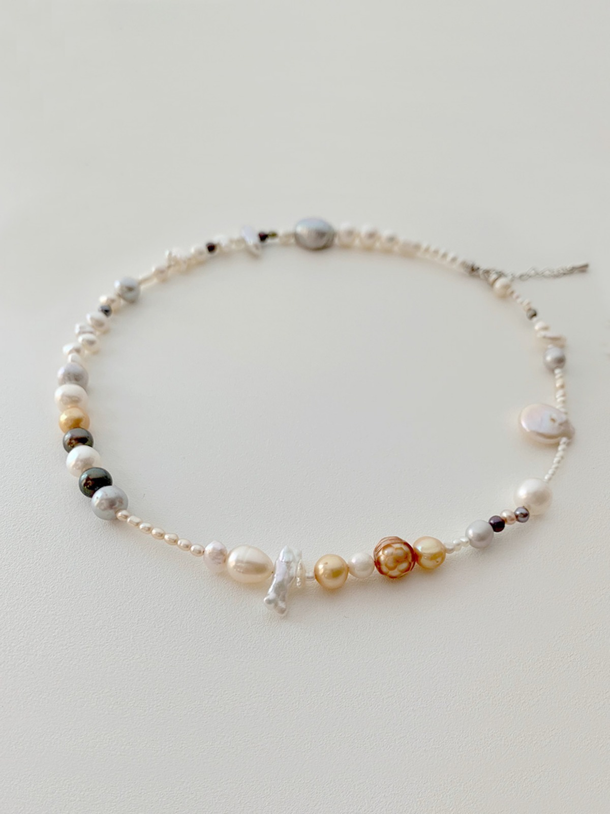 (One of a kind) ugly pearl choker