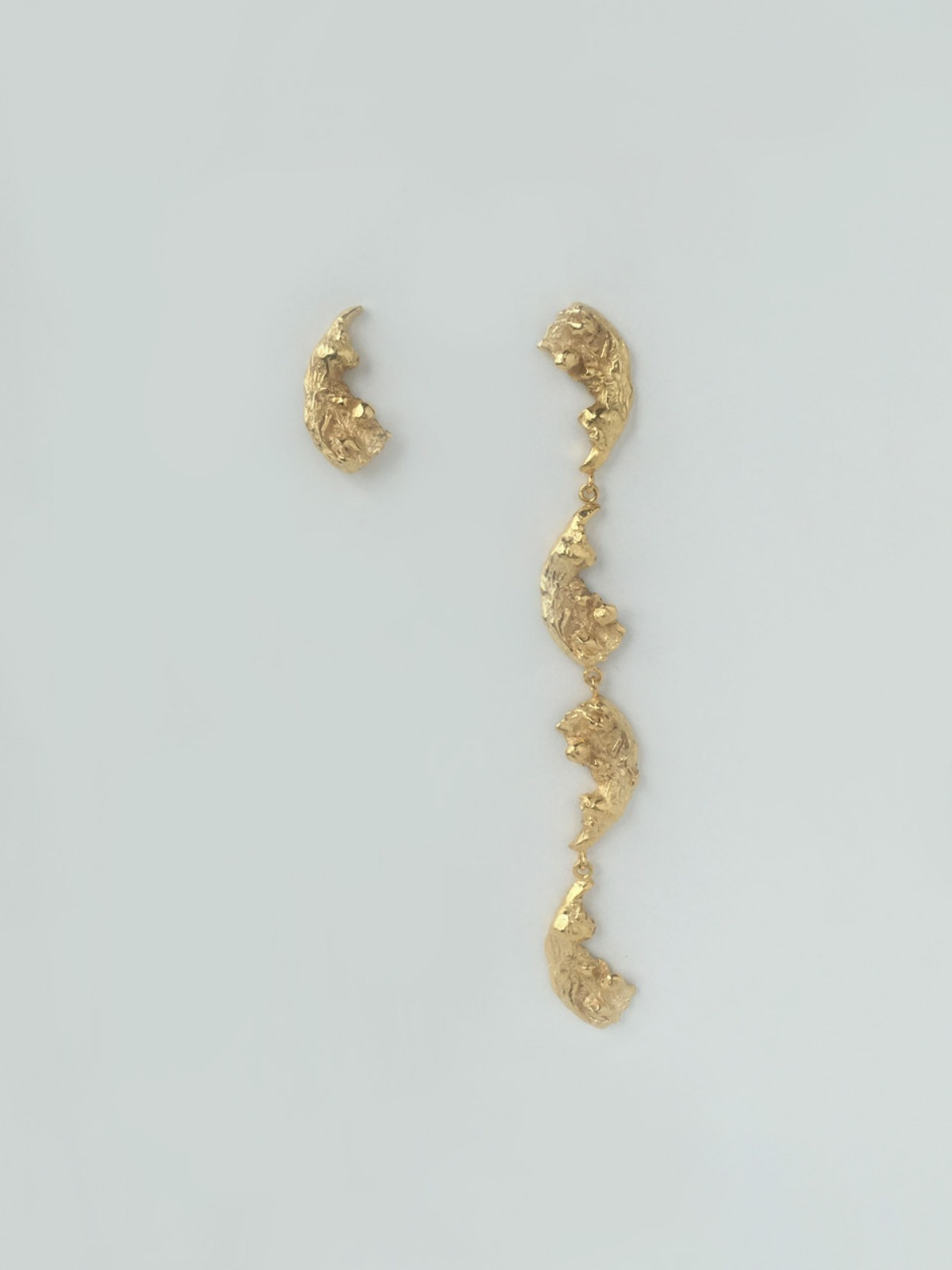Feather drop unblance earring